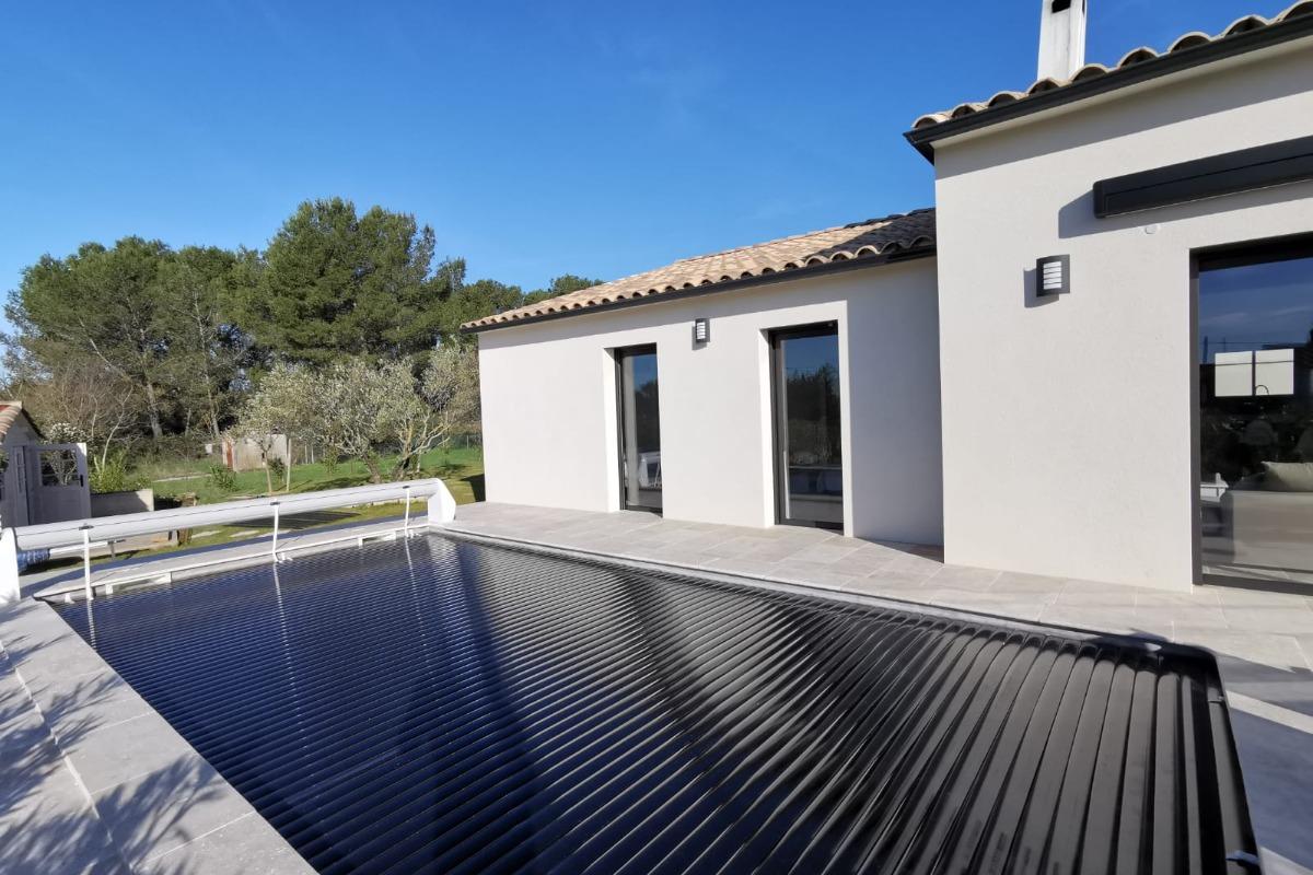 piscine avec volet sécurité - Location de vacances - Garrigues-Sainte-Eulalie