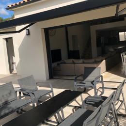 salon de jardin avec bâche - Location de vacances - Garrigues-Sainte-Eulalie