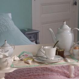 Villa des Violettes - Toulouse - Chambre Nuance - petit déjeuner au lit - Chambre d'hôtes - Toulouse