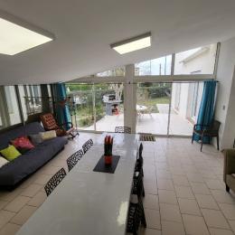 jardin avec coin repas - Chambre d'hôtes - Aussonne