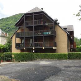 cour extérieure, appart rdc gauche - Location de vacances - Luchon