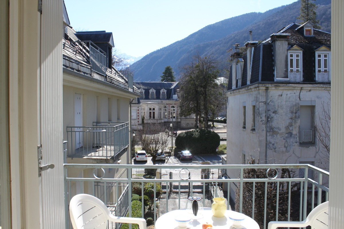 Appart Les Jardins du Casino Luchon (balcon sud) - Location de vacances - Luchon
