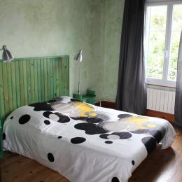 1° étage :chambre verte - Location de vacances - Luchon