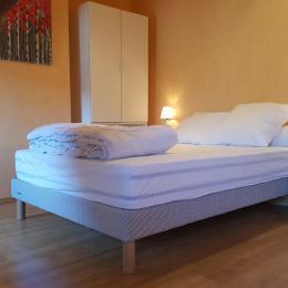 chambre avec lit double - Location de vacances - Luchon
