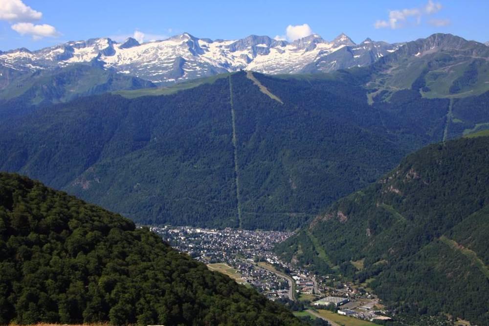 Vue vallée Luchon et Superbagnères - Location de vacances - Luchon