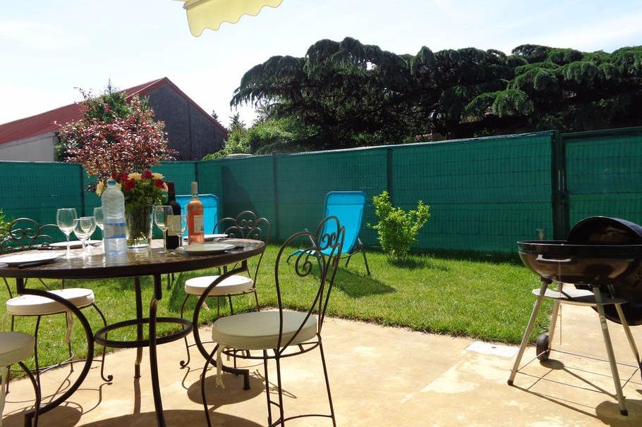 Appartement c t jardin quartier minimes location for Location garage toulouse minimes