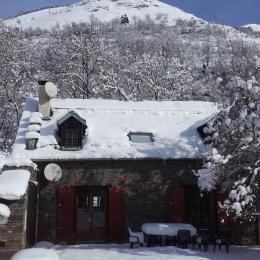 Salon avec cheminée - La Grange des Biches - Luchon - Location de vacances - Benque-Dessous-et-Dessus