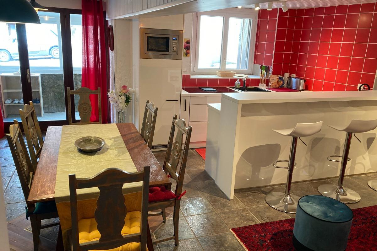 Cuisine et espace repas - Location de vacances - Saint-Mamet