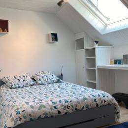 Chambre lit double - Location de vacances - Saint-Mamet