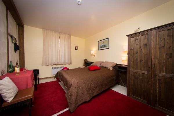Salle d'eau dans une chambre au Domaine du Castex - Chambre d'hôtes - Aignan