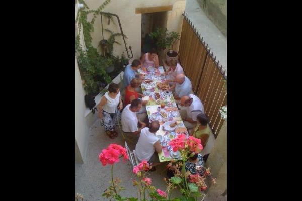 Petit déjeuner sur la terrasse - Chambre d'hôtes - Condom