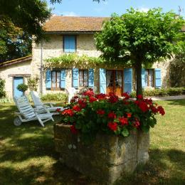Façade du gîte - Location de vacances - Montesquiou