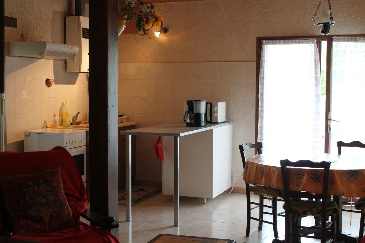 cuisine et coin repas - Location de vacances - Goutz