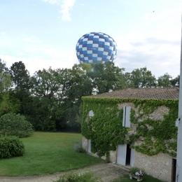 montgolfière au dessus de lasserre - Location de vacances - Lectoure