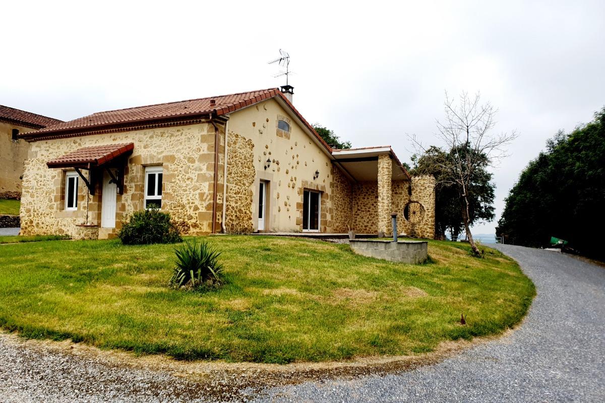 Terrasse et jardin - Location de vacances - L'Isle-de-Noé