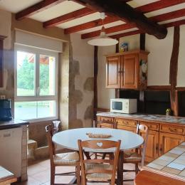 Cuisine avec colombages - Location de vacances - L'Isle-de-Noé