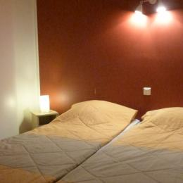 Chambre Parent lits juxtaposables  - Location de vacances - Mauvezin