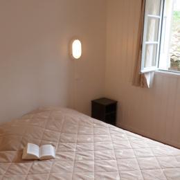 Chambre Parent / lit en 160 - Location de vacances - Mauvezin