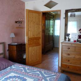entée indépendante - Chambre d'hôtes - Castelnau-sur-l'Auvignon