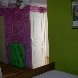 entrée chambre glycine et couloir salle d'eau - Chambre d'hôtes - Miélan