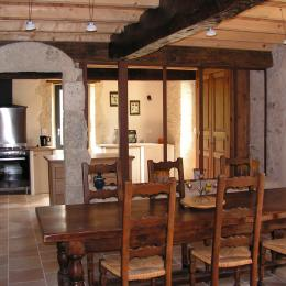 Salle à manger et cuisine - Chambre d'hôtes - Lectoure