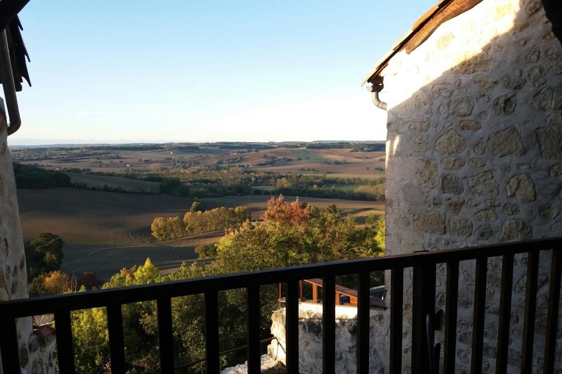 Vue sur la vallée et les Pyrénées - Location de vacances - Castéra-Lectourois