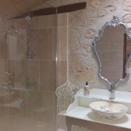 Le Belvédère : Salle de bain ,Bathroom - Location de vacances - Castéra-Lectourois