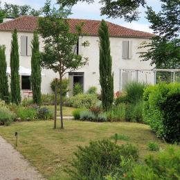Lassenat est une ancienne ferme gasconne typique du 19ème siècle. - Location de vacances - Justian