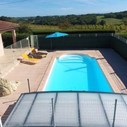 Vue de la piscine - Location de vacances - Gazax-et-Baccarisse