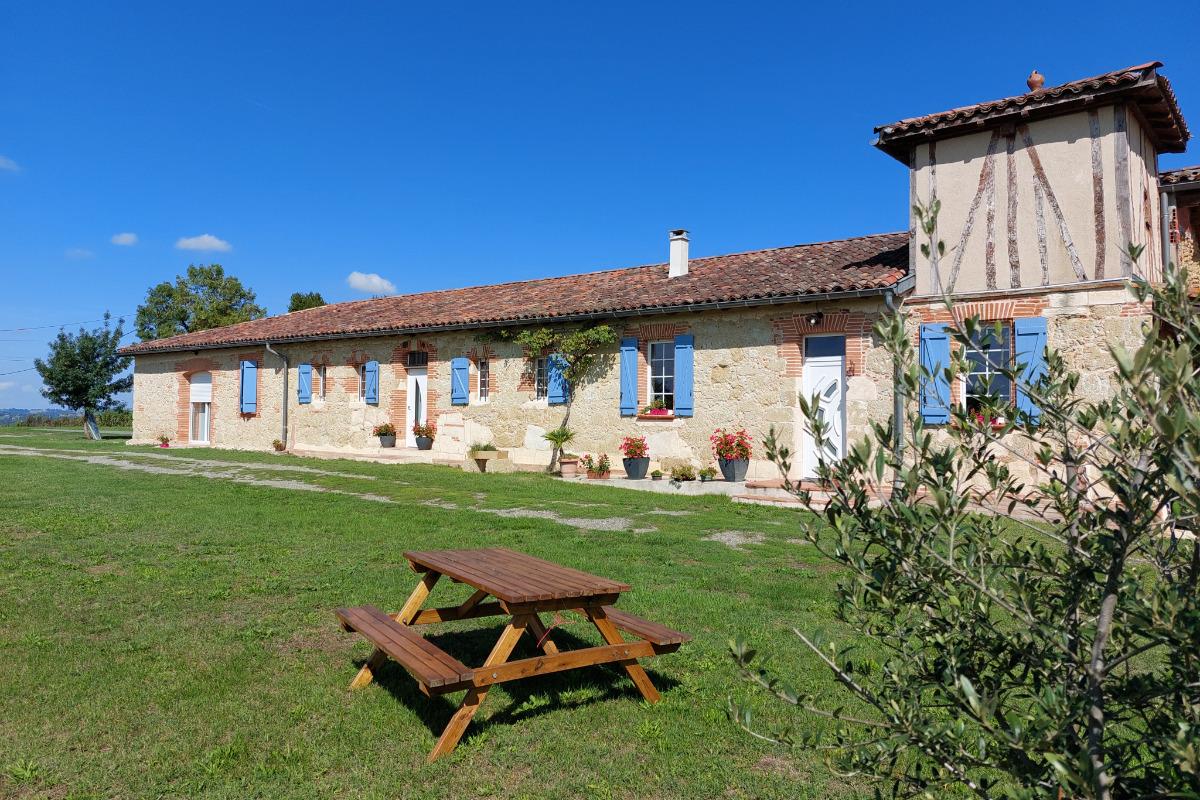 Les Gîtes de LAURES - Le pigeonnier - Ferme Gascogne - Location de vacances - Monblanc