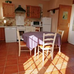 Chambre lit bladaquin 1,4m x 1,9m - Location de vacances - Saint-Caprais-de-Bordeaux