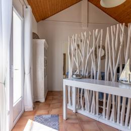 Grandes terrasses extérieures pour un très bon moment de détente et de convivialité. - Location de vacances - Andernos-les-Bains