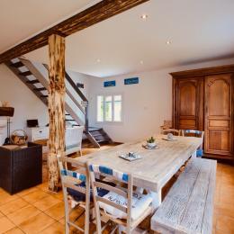salle à manger spacieuse - 10 couverts - Location de vacances - Andernos-les-Bains