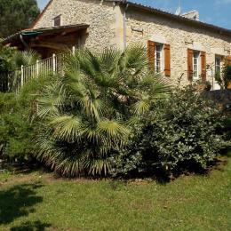 Le salon s'ouvre sur la terrasse couverte plein sud - Location de vacances - Sainte-Radegonde