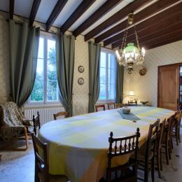 Salle à manger (table jusqu'à 18 places) - Location de vacances - Saint-Hippolyte