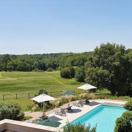 Petit-déjeuner face au parc - Chambre d'hôtes - La Sauve