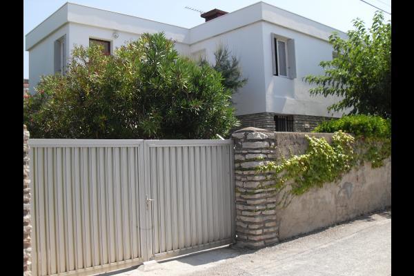 vue de l'entrée de la maison ou se situent les 2 appartements - Location de vacances - FRONTIGNAN-PLAGE