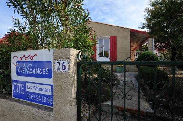 Entrée de la maison Les Mimosas  - Location de vacances - Montagnac