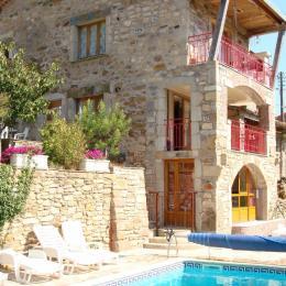 Balcon donnant sur la piscine  - Location de vacances - Avène