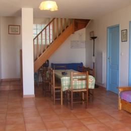 cuisine, ouverte sur séjour - Location de vacances - Liausson