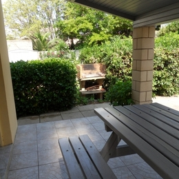 Terrasse couverte avec barbecue - Location de vacances - Agde