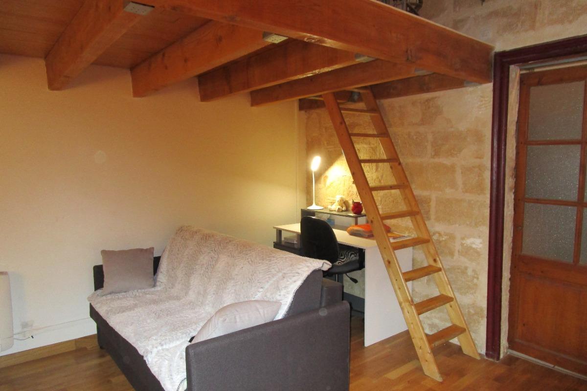 canapé convertible  - Location de vacances - Montpellier