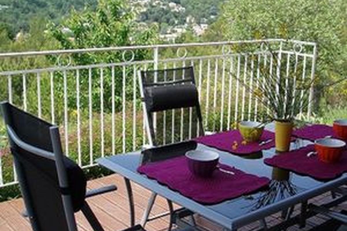 agréable terrasse - Location de vacances - Lamalou-les-Bains