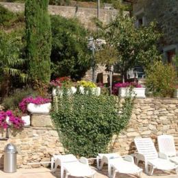 Bains de soleil à disposition - Location de vacances - Avène