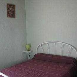 La chambre avec lit  2 places - Location de vacances - MONS-LA-TRIVALLE