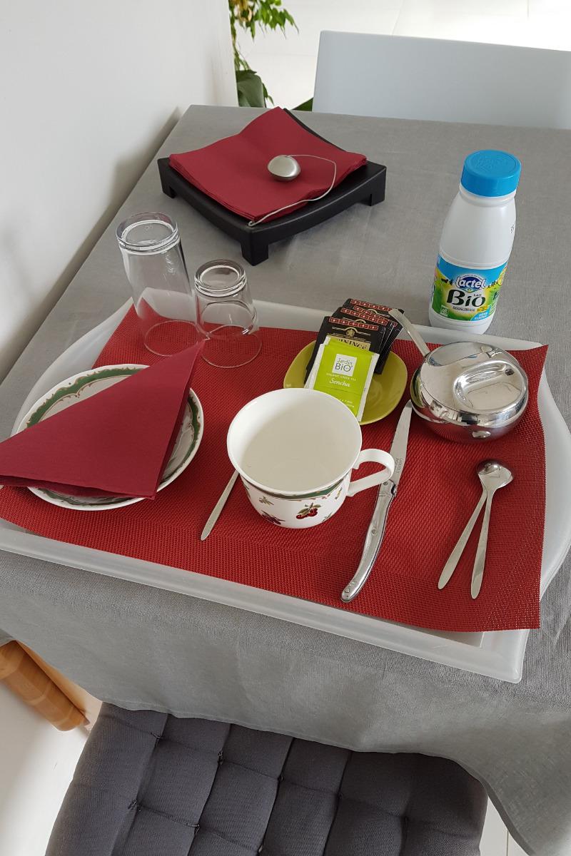 Le petit déjeuner - Chambre d'hôtes - Valflaunès