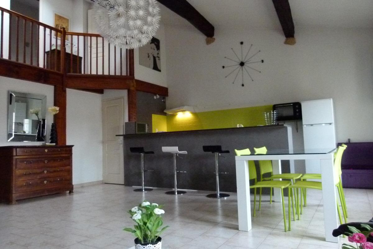 Cuisine ouverte sur le séjour/salon - Location de vacances - Pézenas