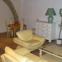 Salle de séjour au rdc - Location de vacances - Pomérols