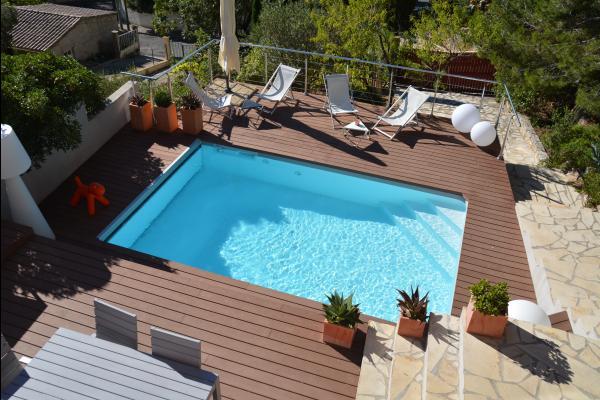 Vue sur la piscine depuis la chambre  - Chambre d'hôtes - Sète