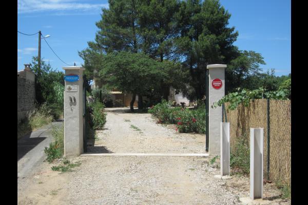 Portail d'entrée du Jardin de Marraine. - Location de vacances - Pézenas